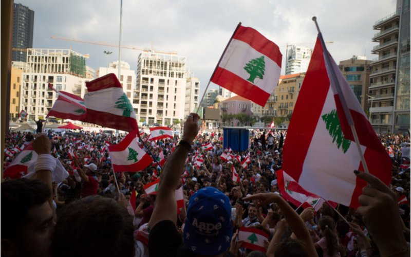 Large Protests Erupt in Lebanon's Capital City Targeting Corrupt Officials